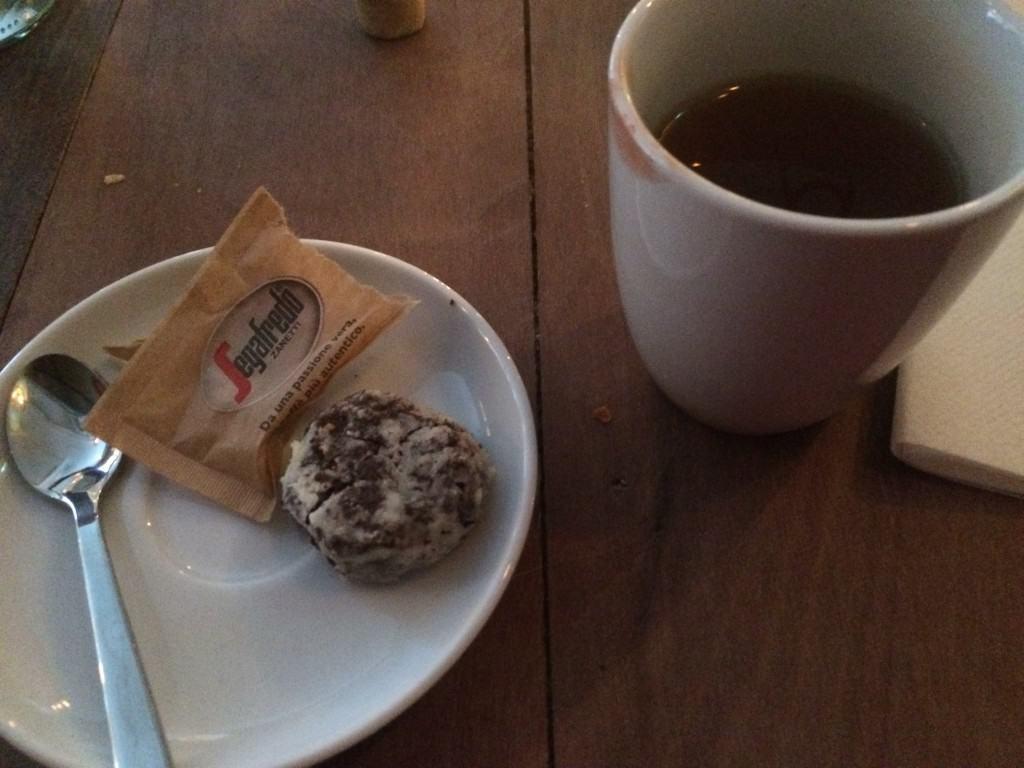 Te og brownie