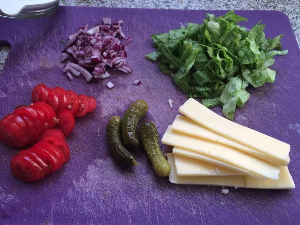 Hak nu de grøntsager og husk osten ;-)