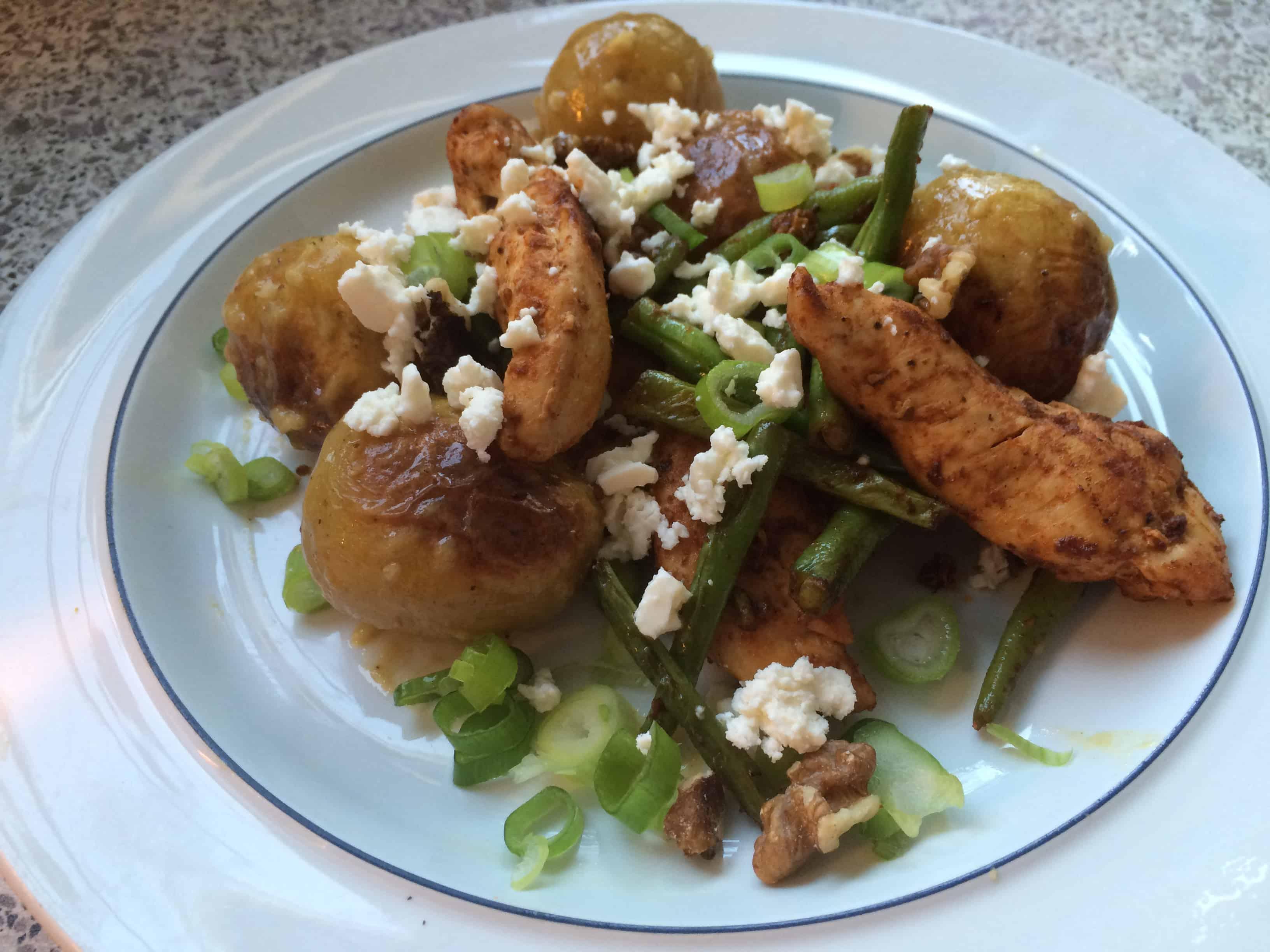 Kylling med bønner, knuste kartofler og sennepsvinaigrette