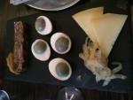 vesterhavsost med hjemmelavet løgmarmelade, solæg og gåseterrin med hjemmelavet sennep