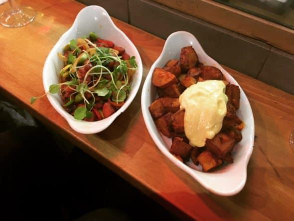 Chorizo i sherry og patatas brave