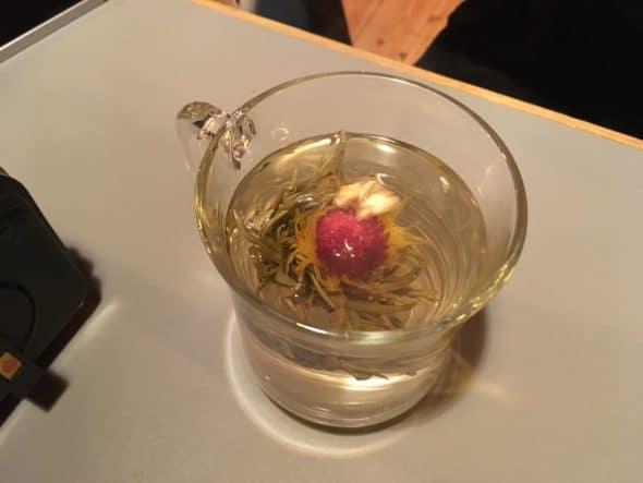 Te med blomst